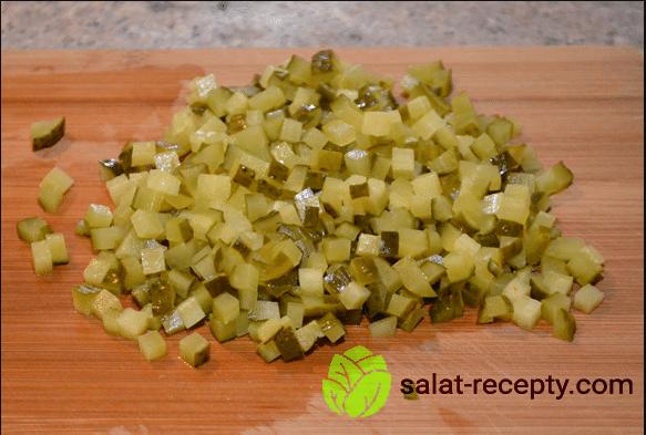 Салат Дубок - рецепт с курицей, шампиньонами и сыром пошагово